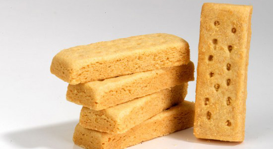 walkers-shortbread-to-launch-two-new-royal-tins